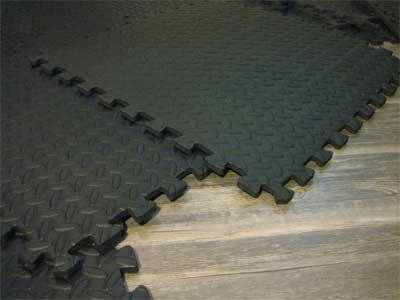 Home gym floor mats [my review of interlocking foam tiles]